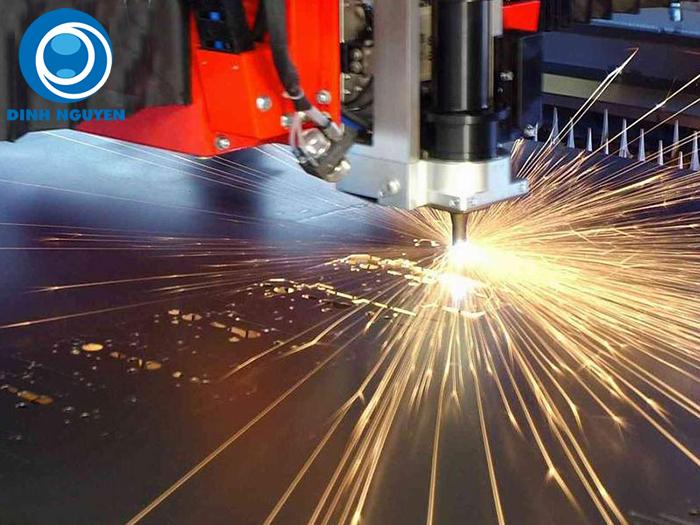 Khắc laser kim loại-02